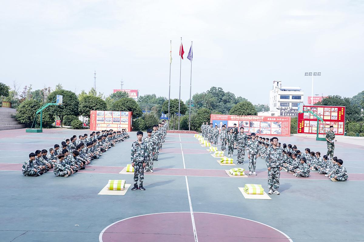 长沙新东方烹饪学院新生军训
