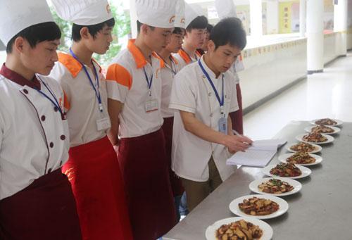 长沙新东方烹饪学院专业解答:学好厨师要多久?-新闻中心
