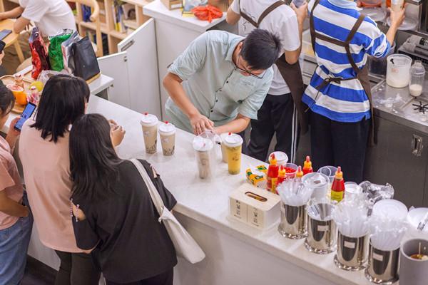 2020年奶茶店赚钱快吗?