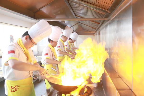 厨师一个月速成班-长沙新东方厨师短期速成班