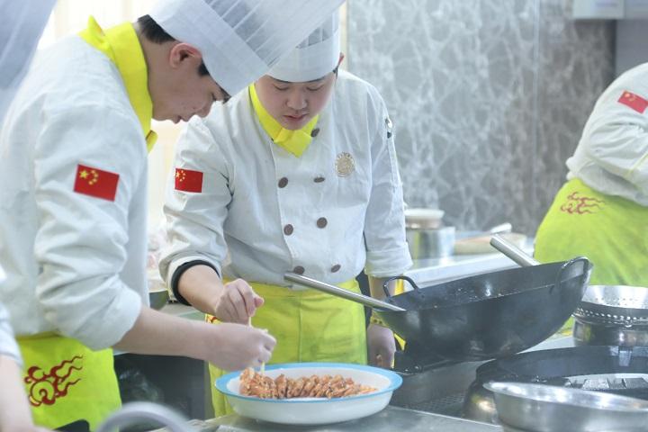 初高中生学厨师优势