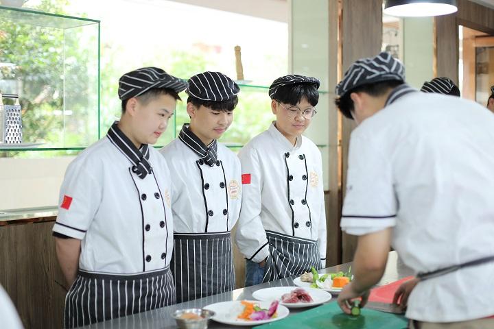 推荐初高中学的专业—西餐料理专业