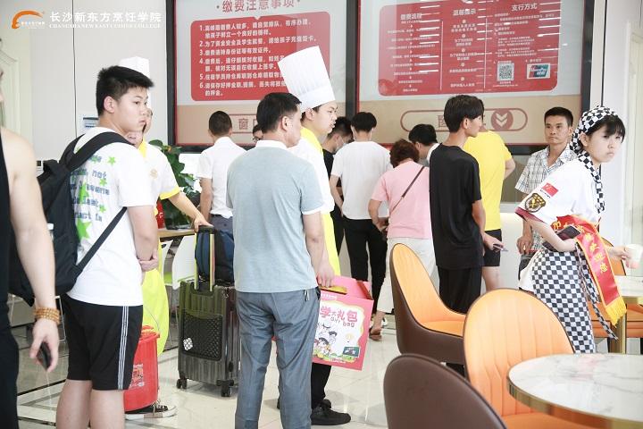 邵阳初高中生选择学厨师